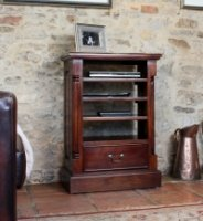 La Roque Entertainment Cabinet (Ancillaries)